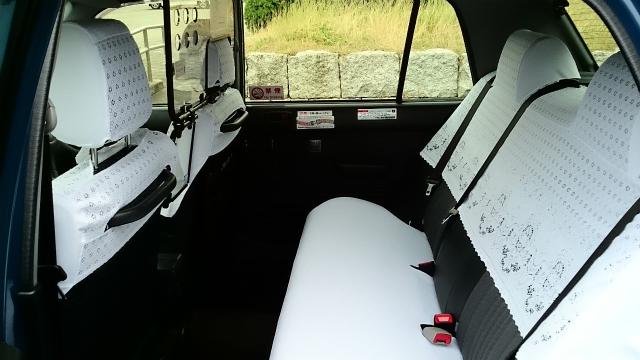 一般タクシー(小型)の車内