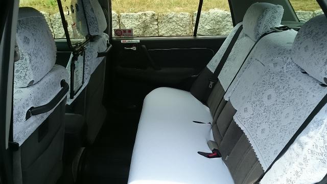 ハイヤー仕様車(中型)の車内
