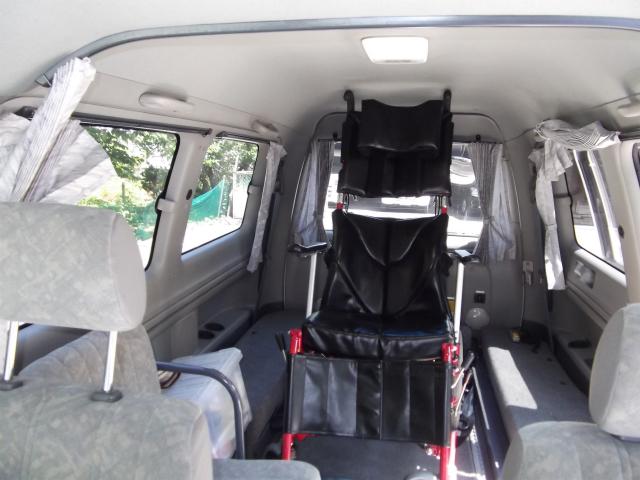 介護タクシー(車いす対応)の車内
