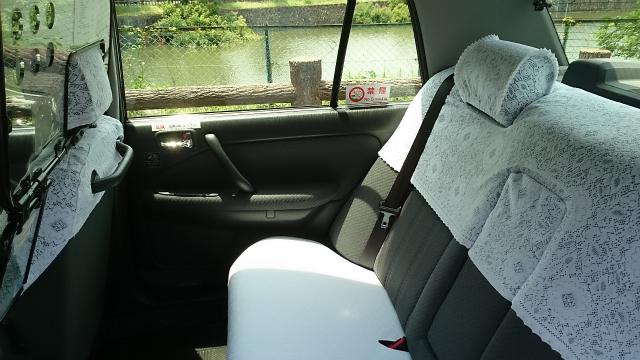 一般タクシー(中型)の車内